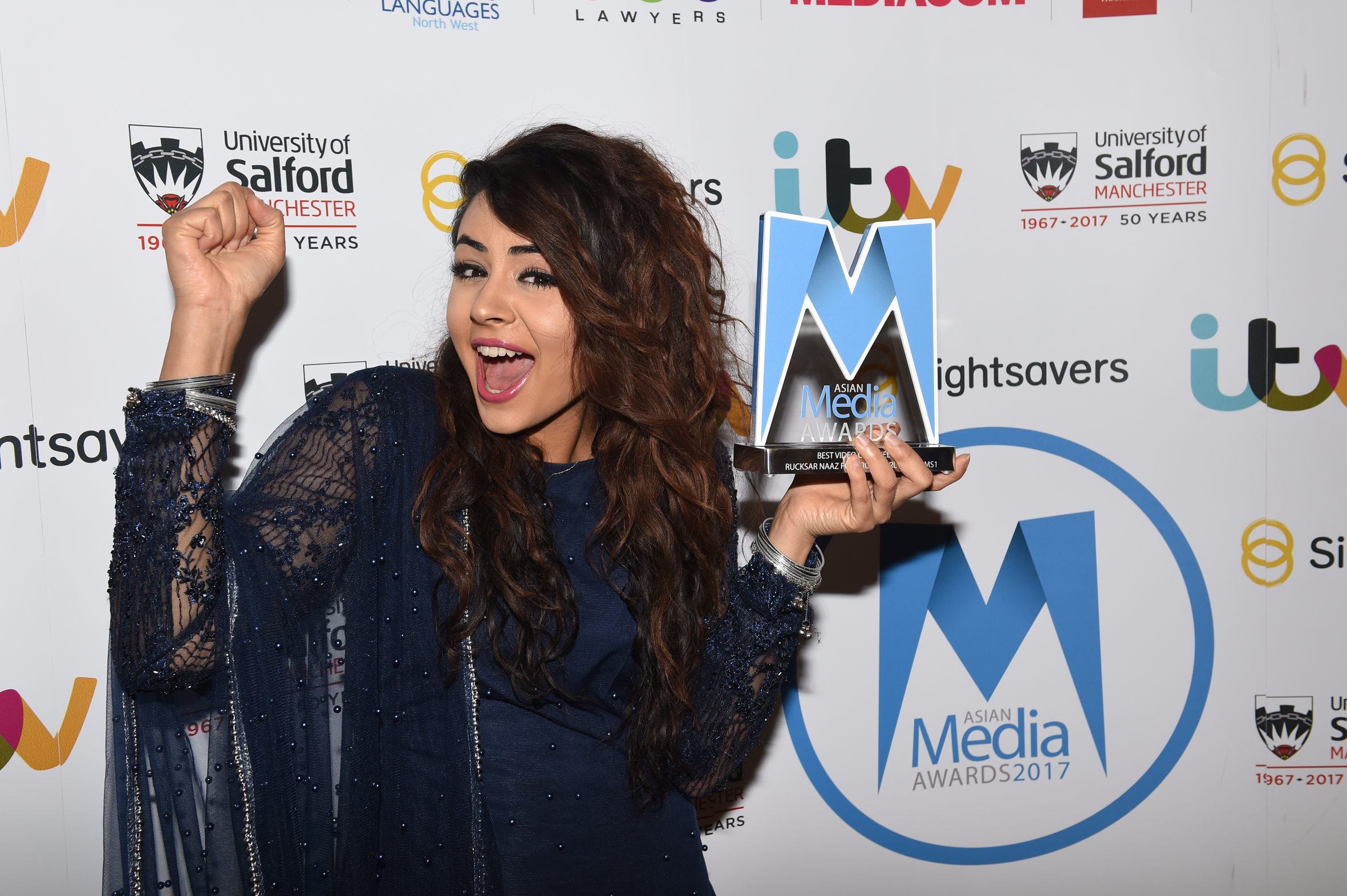 Rucksar Naaz wins Best Video Channel Award 2017 for Brown Girl Problems 1